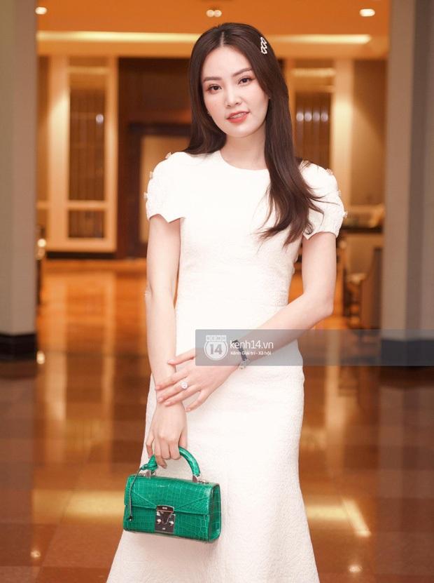 Dàn sao đổ bộ tiệc cưới NS Công Lý: Á hậu Thuỵ Vân đọ sắc bên cô dâu, Huyền My như người khổng lồ giữa dàn mỹ nhân - Ảnh 3.