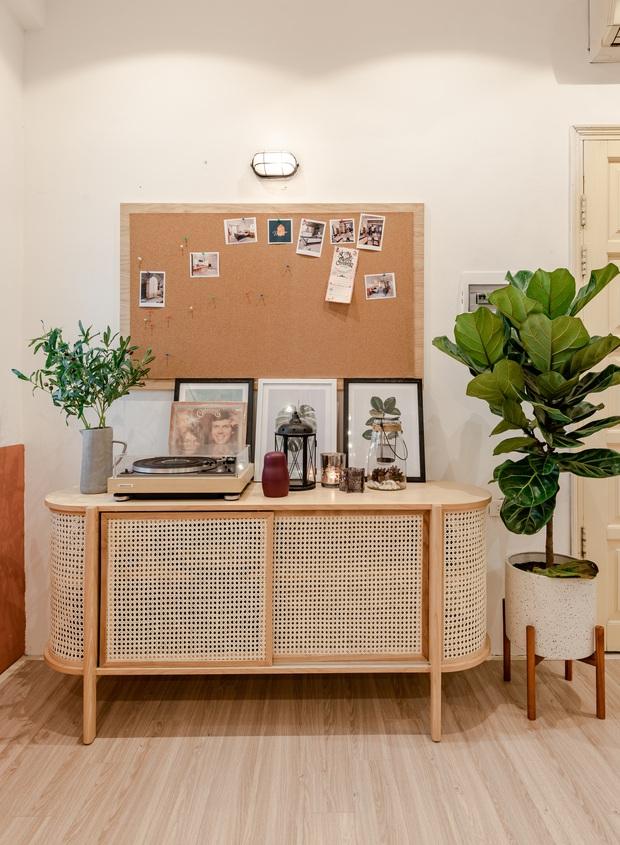 Kiến trúc sư cải tạo nhà tập thể 60 năm thành nơi cực đáng sống, ai nhìn cũng mê bởi gam màu cưng xỉu - Ảnh 8.