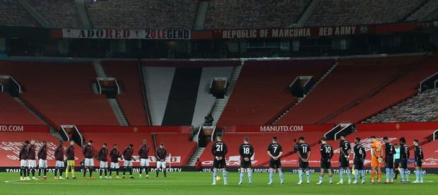 Bruno Fernandes và Pogba tỏa sáng giúp MU bằng điểm đội đầu bảng Liverpool - Ảnh 1.