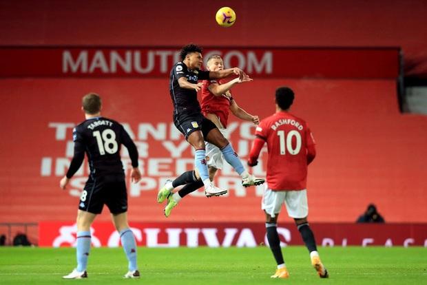 Bruno Fernandes và Pogba tỏa sáng giúp MU bằng điểm đội đầu bảng Liverpool - Ảnh 2.
