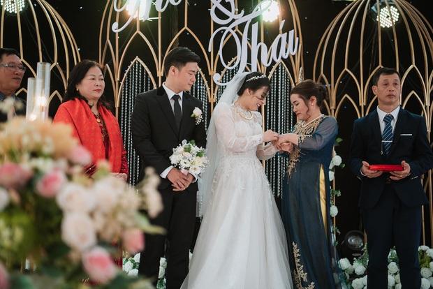 Nhìn lại làng streamer Việt năm 2020: Rình rang đám cưới khủng của Xemesis, Chim Sẻ Đi Nắng cũng bị trói chân, riêng Thảo Nari khiến nhiều fan nam tiếc nuối - Ảnh 16.