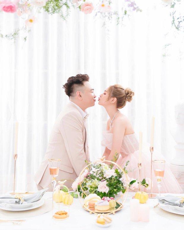 Nhìn lại làng streamer Việt năm 2020: Rình rang đám cưới khủng của Xemesis, Chim Sẻ Đi Nắng cũng bị trói chân, riêng Thảo Nari khiến nhiều fan nam tiếc nuối - Ảnh 1.