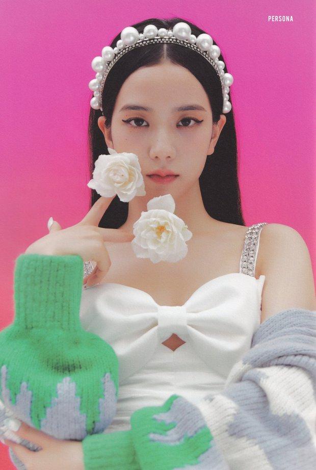 Đúng là idol đẹp như Hoa hậu: Jisoo lấn át Nhiệt Ba khi đụng hàng, còn khơi lại vụ diện đồ nhái của Lan Ngọc - Ảnh 1.