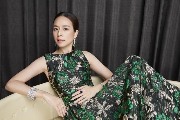 Nữ tỷ phú sáng giá bậc nhất Thái Lan: Nổi tiếng thế giới bằng loạt ảnh bật khóc trên sân bóng và bông hồng thép khiến nhiều người ngưỡng mộ - Ảnh 3.