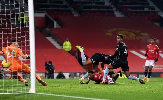 Bruno Fernandes và Pogba tỏa sáng giúp MU bằng điểm đội đầu bảng Liverpool - Ảnh 4.