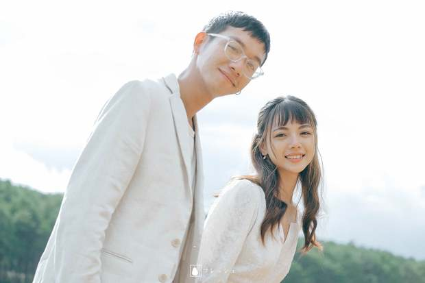 Nụ hôn đánh dấu chủ quyền năm 3 tuổi giúp anh chàng tìm lại và cưới luôn bạn gái thanh mai trúc mã sau 23 năm - Ảnh 5.