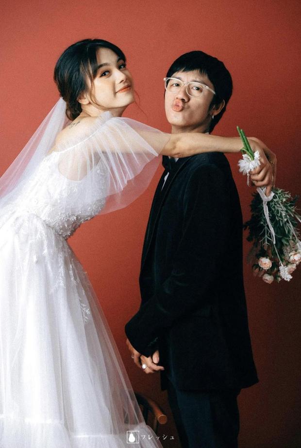 Nụ hôn đánh dấu chủ quyền năm 3 tuổi giúp anh chàng tìm lại và cưới luôn bạn gái thanh mai trúc mã sau 23 năm - Ảnh 6.