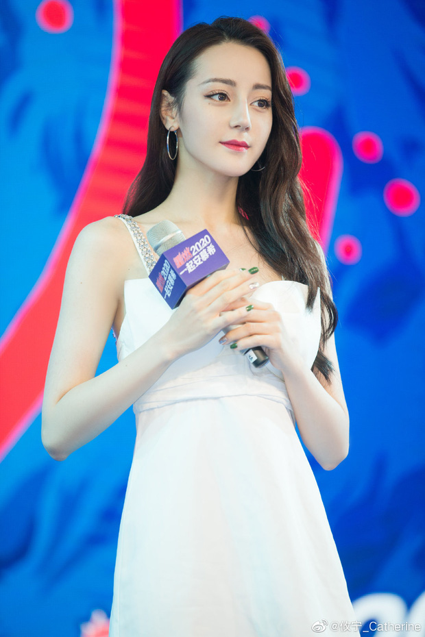 Đúng là idol đẹp như Hoa hậu: Jisoo lấn át Nhiệt Ba khi đụng hàng, còn khơi lại vụ diện đồ nhái của Lan Ngọc - Ảnh 5.