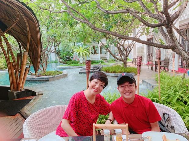 Con trai MC Thảo Vân giờ đã to cao hơn cả mẹ, lời chia sẻ trong đám hỏi của NS Công Lý được khen giáo dục tốt quá - Ảnh 3.