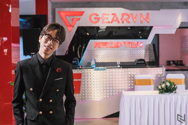 Nhìn lại nhan sắc của streamer bạc tỷ ViruSs: Từ thiếu gia nhạc viện đến chủ tịch 4-5 công ty gaming lớn ở Việt Nam - Ảnh 19.