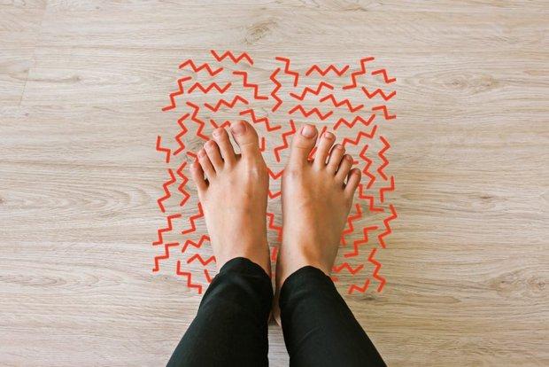 3 triệu chứng bất thường ở đôi chân giúp bạn cảnh giác sớm nguy cơ mắc ung thư cổ tử cung - Ảnh 2.