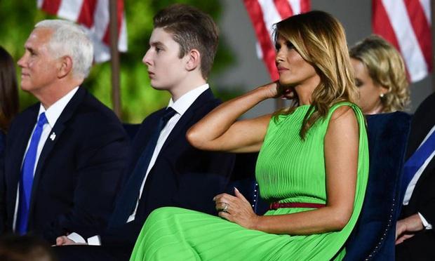 """""""Quý tử nước Mỹ"""" Barron Trump vắng mặt bí ẩn trong lễ chia tay của bố, nhưng đã âm thầm rời Nhà Trắng khi nào và ra sao, đây là câu trả lời - Ảnh 3."""