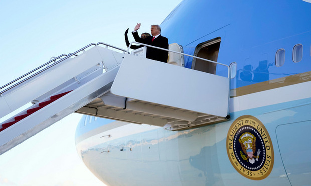 """""""Quý tử nước Mỹ"""" Barron Trump vắng mặt bí ẩn trong lễ chia tay của bố, nhưng đã âm thầm rời Nhà Trắng khi nào và ra sao, đây là câu trả lời - Ảnh 6."""