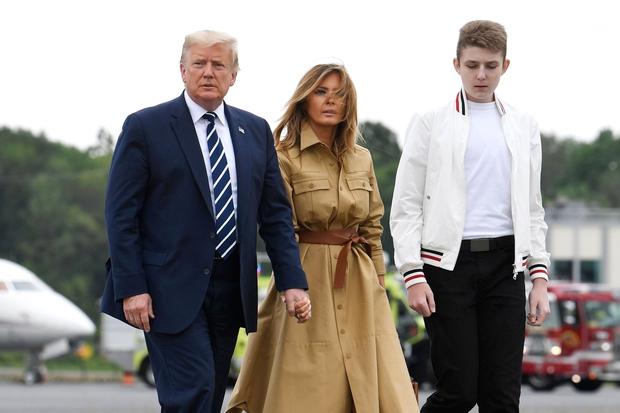 """""""Quý tử nước Mỹ"""" Barron Trump vắng mặt bí ẩn trong lễ chia tay của bố, nhưng đã âm thầm rời Nhà Trắng khi nào và ra sao, đây là câu trả lời - Ảnh 4."""