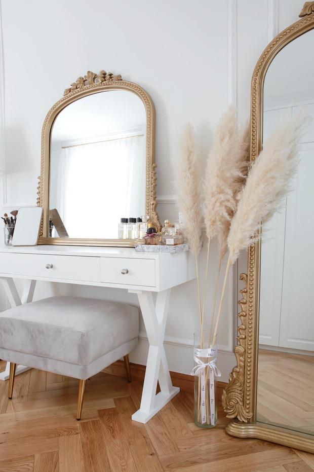 Căn hộ của rich kid Thảo Nhi Lê: Nội thất đơn giản không cầu kì, phòng tắm có style tân cổ điển nhìn mà ghen tị - Ảnh 3.
