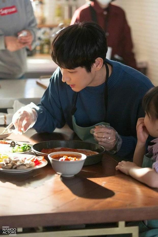 Không phải Kim Seon Ho, Lee Jun Ki mới là chân ái của chị đẹp Moon Ga Young ở phim lãng mạn huyền bí mới! - Ảnh 2.