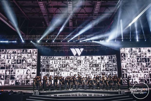 Gala WeChoice Awards 2020 sẽ chứng kiến sân khấu tối giản đầu tiên tại Việt Nam, ẩn sau đó là sự sáng tạo và rất nhiều ý nghĩa - Ảnh 1.