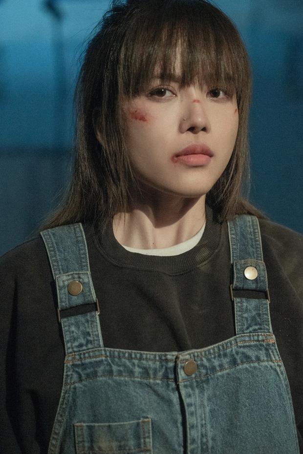 Giữa drama tình cảm với Sơn Tùng, phát ngôn của Thiều Bảo Trâm hot lại: Một mình có buồn, biết là không ổn nhưng lại không làm được gì hơn - Ảnh 2.