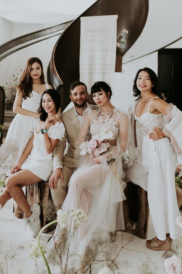 Có gì trong đám cưới bí mật có vẻ lạ lùng ở Đà Nẵng nhưng được báo Tây ca ngợi hết lời? - Ảnh 4.