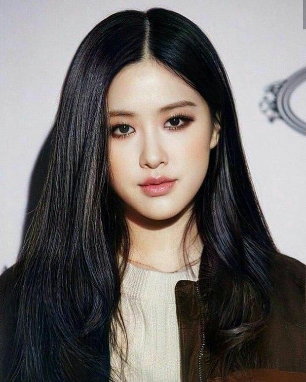 Rosé (BLACKPINK) vừa rục rịch solo, fan đã kêu gọi cô nàng để màu tóc này ngay và luôn, nhìn nhan sắc xinh đẹp hút hồn là hiểu - Ảnh 8.