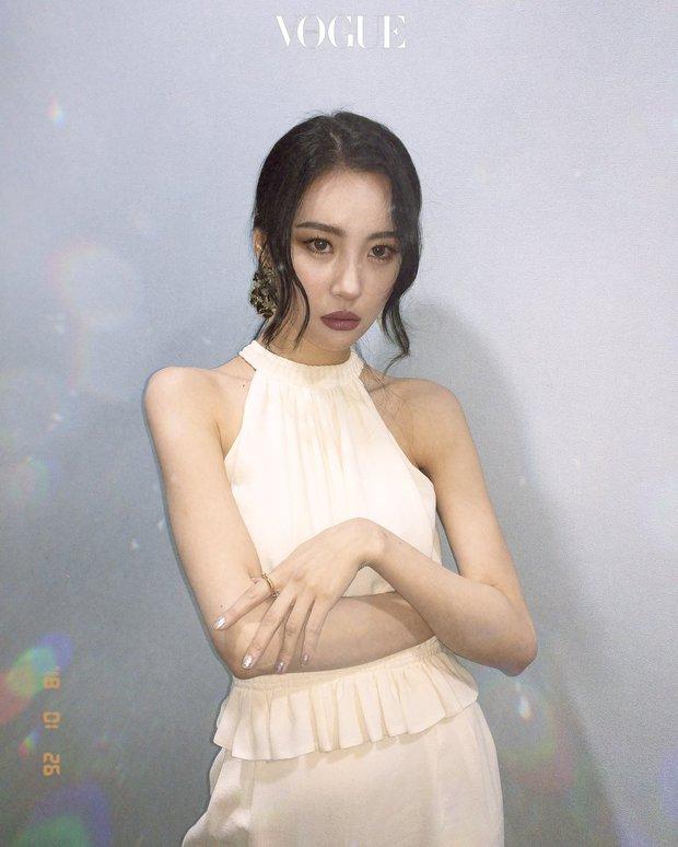 Dàn nữ thần Kbiz nổi tiếng vì... trời sinh ra đã béo không nổi: Lisa xứng danh thánh body nhưng vẫn chưa bằng eo nhỏ kỷ lục của Seo Ye Ji - Ảnh 19.