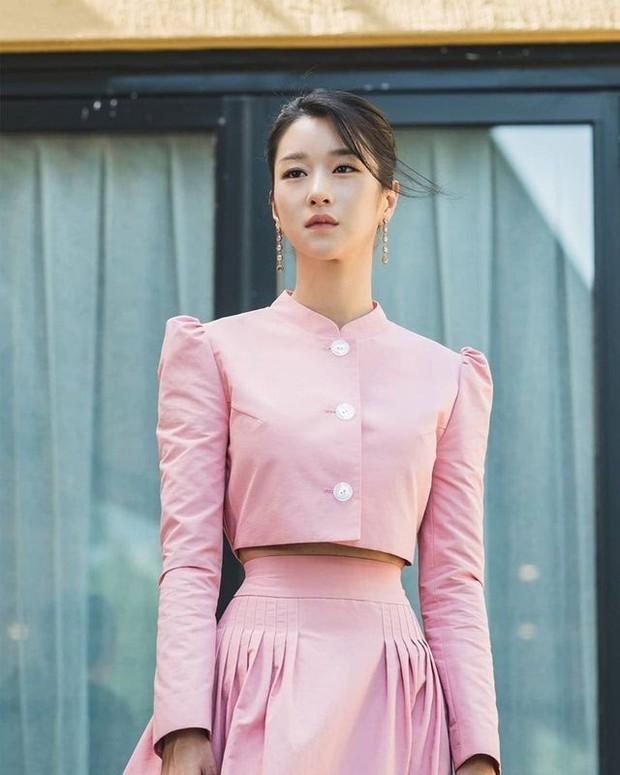 Dàn nữ thần Kbiz nổi tiếng vì... trời sinh ra đã béo không nổi: Lisa xứng danh thánh body nhưng vẫn chưa bằng eo nhỏ kỷ lục của Seo Ye Ji - Ảnh 6.