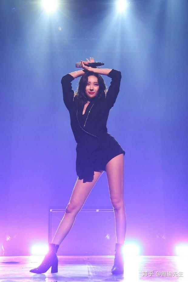 Dàn nữ thần Kbiz nổi tiếng vì... trời sinh ra đã béo không nổi: Lisa xứng danh thánh body nhưng vẫn chưa bằng eo nhỏ kỷ lục của Seo Ye Ji - Ảnh 21.