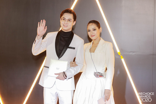 Dàn hot couple sánh vai tại Gala WeChoice Awards: Linh Rin - Phillip Nguyễn trông như vợ chồng son, Wean - Naomi bao ngầu - Ảnh 12.