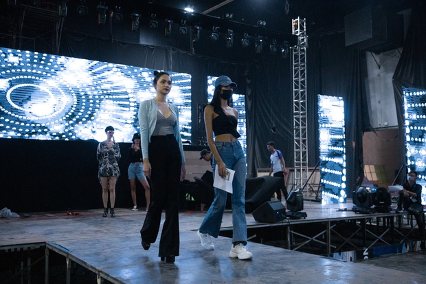 Hương Giang, Xuân Lan cùng HLV, ca sĩ khách mời hăng say tập luyện cho đêm Chung kết Đại Sứ Hoàn Mỹ - Ảnh 10.