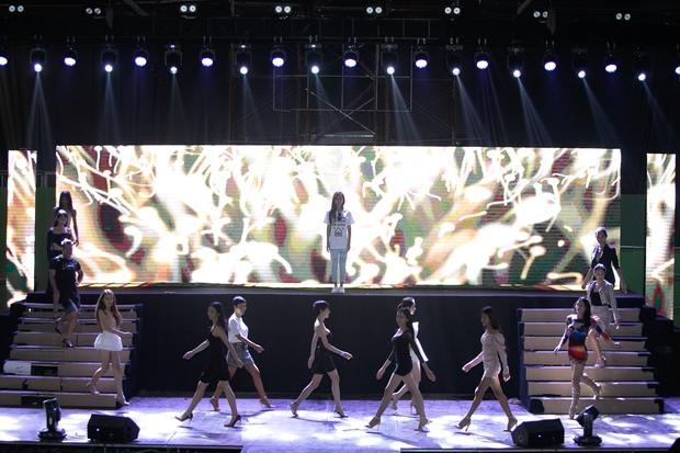 Hương Giang, Xuân Lan cùng HLV, ca sĩ khách mời hăng say tập luyện cho đêm Chung kết Đại Sứ Hoàn Mỹ - Ảnh 9.