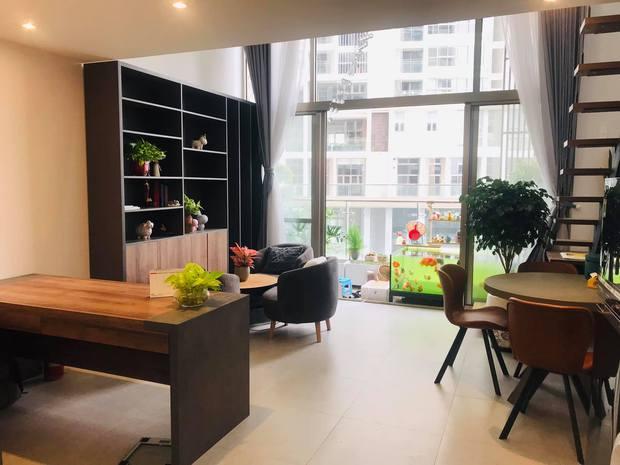 Bán nhà chung cư 2 phòng ngủ, cô nàng chuyển về căn hộ 39m2 ở Phú Mỹ Hưng để trồng cây, nuôi cá - Ảnh 1.