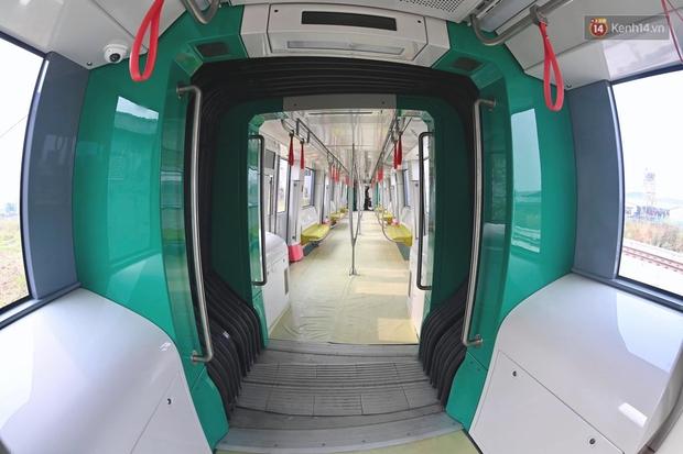Ảnh: Cận cảnh đoàn tàu đầu tiên dự án Nhổn - ga Hà Nội - Ảnh 4.