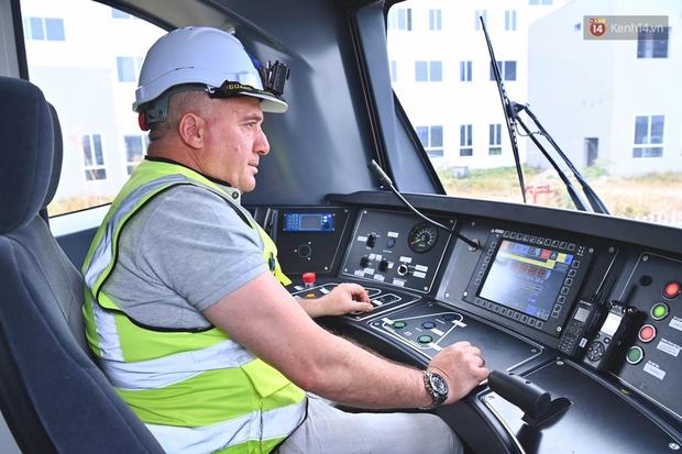 Ảnh: Cận cảnh đoàn tàu đầu tiên dự án Nhổn - ga Hà Nội - Ảnh 9.