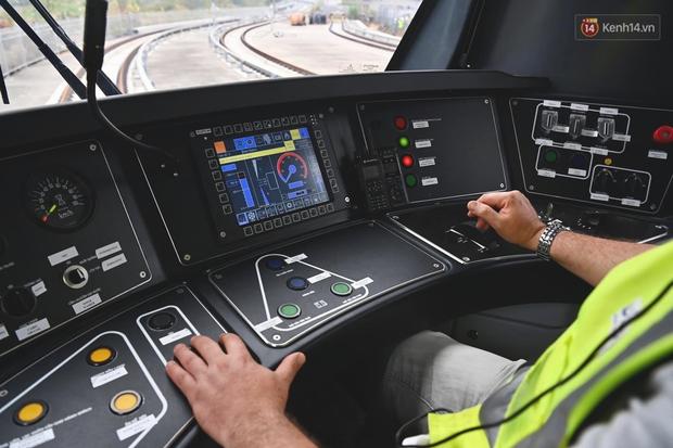Ảnh: Cận cảnh đoàn tàu đầu tiên dự án Nhổn - ga Hà Nội - Ảnh 8.