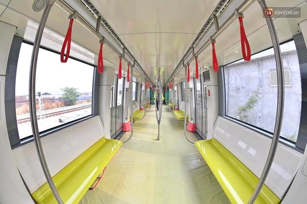 Ảnh: Cận cảnh đoàn tàu đầu tiên dự án Nhổn - ga Hà Nội - Ảnh 2.