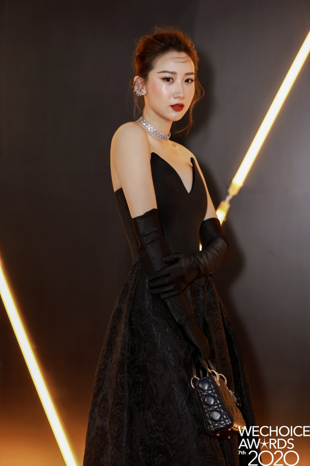 WeChoice Awards 2020: Vũ trụ trai xinh gái đẹp đồng loạt xuất hiện tại đêm Gala trao giải - Ảnh 18.