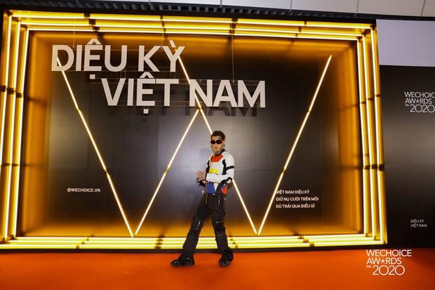 Dàn sao Rap Việt, Sao Nhập Ngũ, Người Ấy Là Ai... xúng xính lên đồ đổ bộ thảm đỏ WeChoice Awards 2020 - Ảnh 1.
