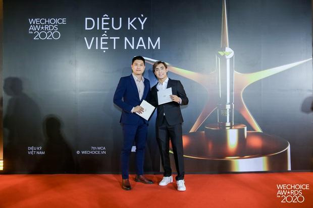 Thảm đỏ WeChoice Awards 2020 xuất hiện vũ trụ game thủ/ streamer Việt, ai cũng xinh đẹp lịch lãm đến bất ngờ - Ảnh 14.