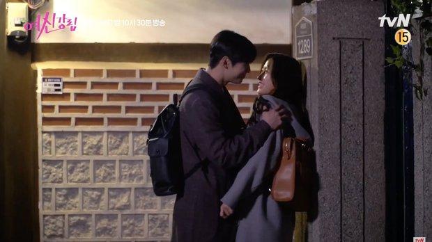 Cha Eun Woo và Hwang In Yeop bị ngã xuống ruộng phân vẫn tám rôm rả ở hậu trường True Beauty - Ảnh 7.