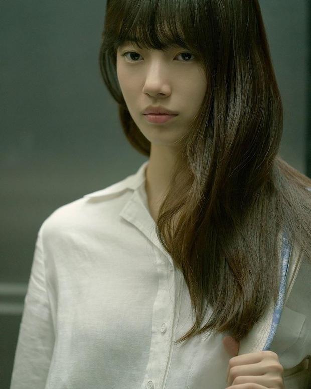 Suzy tung vlog mới, dân tình chỉ dán mắt vào gương mặt không son phấn đỉnh cao: Bảo sao được gọi là thánh mặt mộc - Ảnh 9.