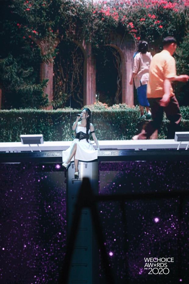 AMEE tái hợp Hoàng Dũng - Ricky Star, lần đầu hòa giọng cùng Quân A.P mang đến màn mashup không tưởng tại Gala WCA 2020 - Ảnh 3.