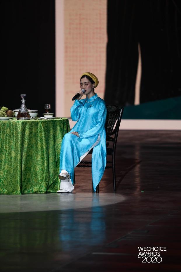 Hiền Hồ và Hoà Minzy đọ giọng đầy thăng hoa, câu chuyện về người thứ ba được đẩy lên cung bậc hoàn toàn mới tại Gala WCA 2020 - Ảnh 3.