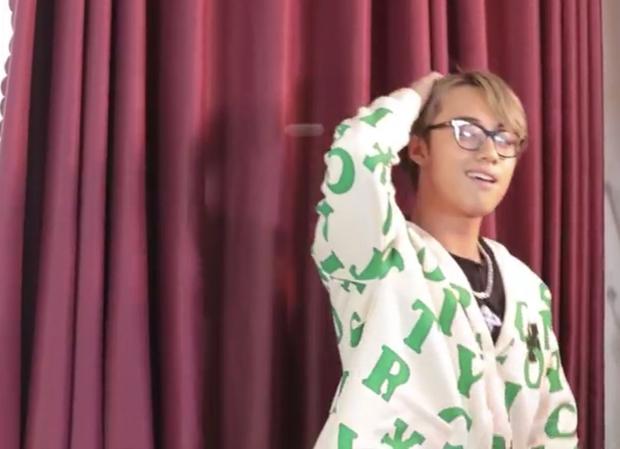 Biểu cảm cưng xỉu của khách mời lớp học Vũ trụ GenZ: Tlinh & MCK đi đường quyền cực gắt, Hải Đăng Doo squat, hất tóc biến hình - Ảnh 2.