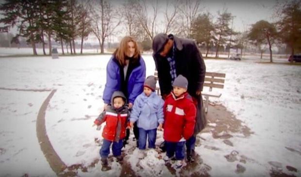 Làm thủ tục xin trợ cấp nuôi 4 con, người mẹ bàng hoàng nhận kết quả mình không có quan hệ huyết thống với bọn trẻ - Ảnh 2.