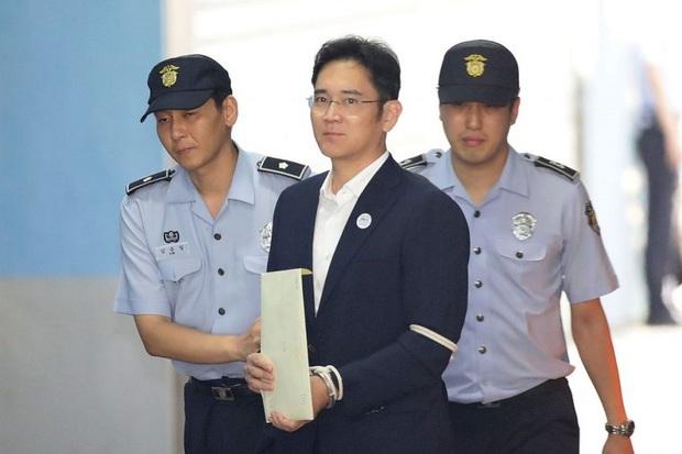 Thái tử Samsung có chỉ đạo đầu tiên sau song sắt - Ảnh 1.