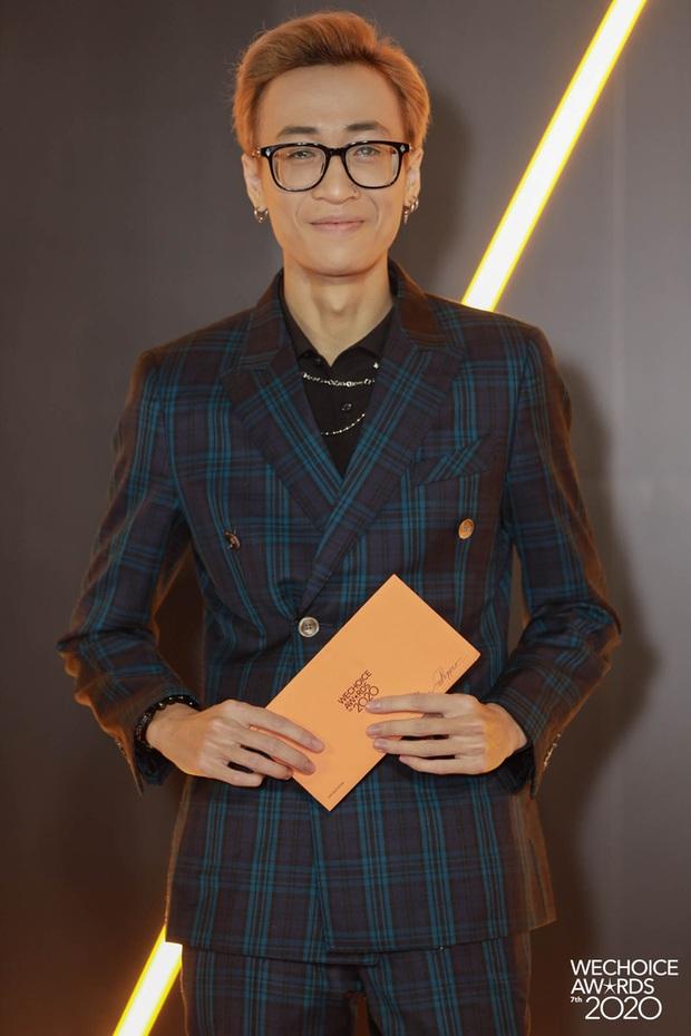 Thảm đỏ WeChoice Awards 2020 xuất hiện vũ trụ game thủ/ streamer Việt, ai cũng xinh đẹp lịch lãm đến bất ngờ - Ảnh 4.
