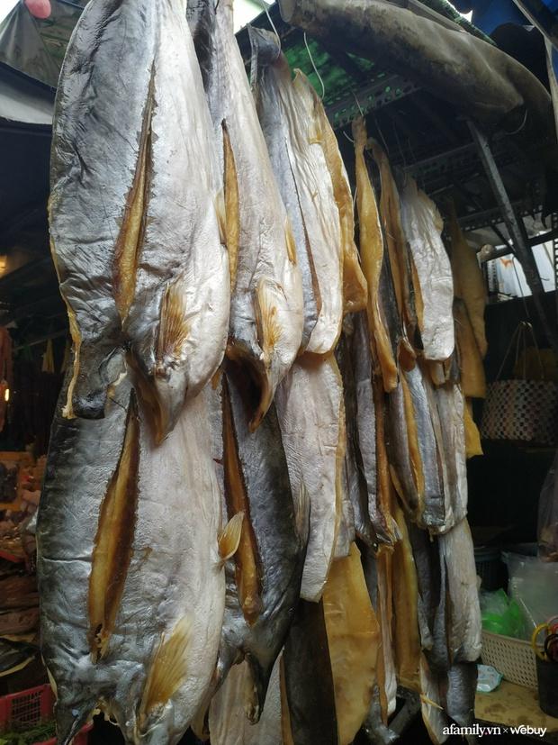 Ghé chợ Campuchia ở Sài Gòn săn món lạ ăn Tết: Cầm vài trăm nghìn mua được những gì? - Ảnh 3.