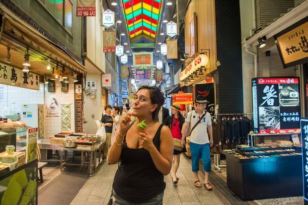 Dạo một vòng quanh khu chợ Nishiki: Thiên đường mua sắm ở Kyoto, Nhật Bản - Ảnh 4.