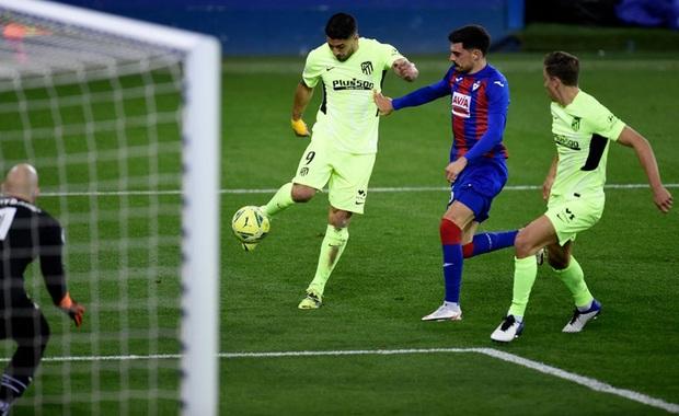 Đội bóng La Liga cho thủ môn lên sút phạt đền, thử một lần chơi lớn xem đối thủ có trầm trồ - Ảnh 6.