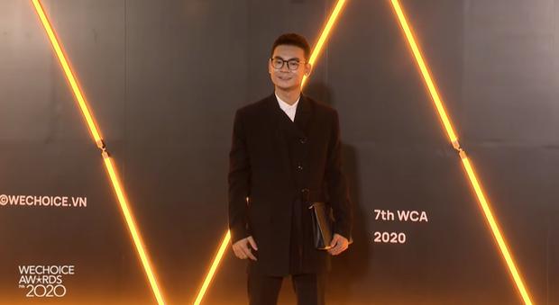 Thảm đỏ WeChoice Awards 2020 xuất hiện vũ trụ game thủ/ streamer Việt, ai cũng xinh đẹp lịch lãm đến bất ngờ - Ảnh 10.
